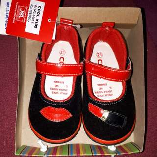 Sepatu 'CooL'
