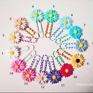 Resin Sunflower / daisy Cameo Paper Clip