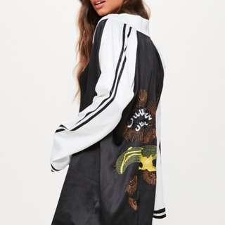 Missguided - Black embroidered kimono