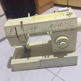 SINGER縫紉機5806C