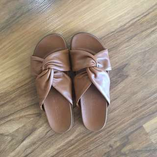 Betts Leather Slides Size 9