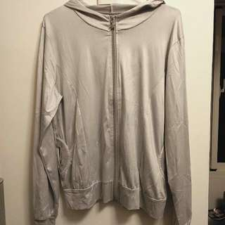 🚚 -Dan小舖- 緞面連帽 遮陽防曬 薄外套 銀灰色