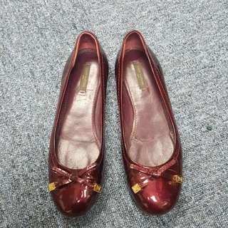 Lv 酒紅色柒皮平底鞋