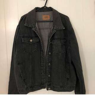 Black denim jacket S-M