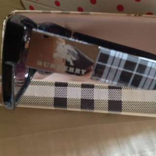 Burberry shade replica