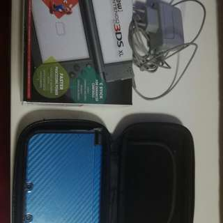 New 3ds xl with box and charger