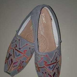 TOMS Women Shoes Size US 6