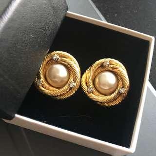 Chanel Vintage Earring