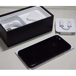 "iPhone 7 128GB Jet Black 4.7"", original, like new, 100% working & good battery, with box, new power adapter and cable, 1 month warranty 99%新無花 iPhone7細機 128G,亮黑色,港行ZP 全功能正常,電池良好 有盒跟全新充電器,線 送玻璃貼,保護套 1個月保養 (Ref:7JB-128)"