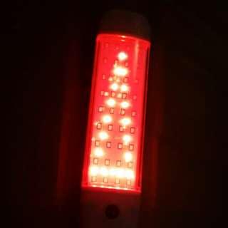 LED燈有磁石及勾(有閃紅光!正常白光)!另有(單一白光145元)在上水送附近!多買可平!