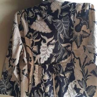 Preloved cropped batik blazer