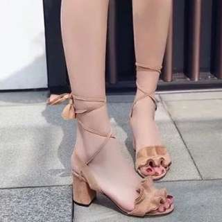 Gamuza Block Heels (color black)