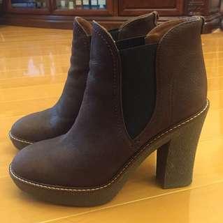 Emporio Armani 棗紅色短靴 size 36.5