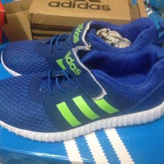Adidas Sneakers SIZE 35