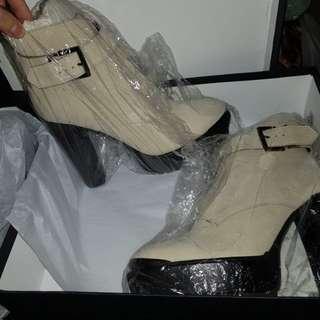 Tony bianco white boots