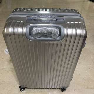 "28"" Luggage Case"