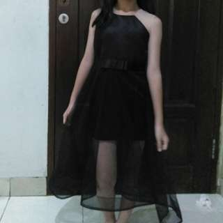 Black gown party