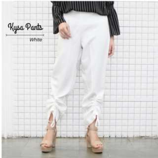 Pants in white