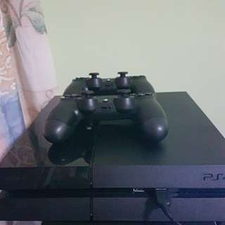 Playstation 4 (Ps4), 2 controllers + 5 games!!
