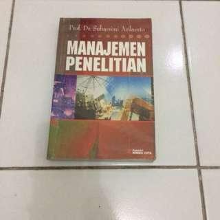 Buku manajemen penelitian