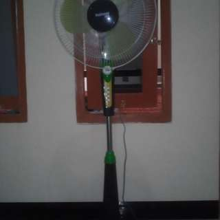 Kipas Angin Berdiri Stand Fan National Plus 16 Inch Mulus