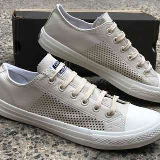 Converse Chuck Taylor 2 Authentic