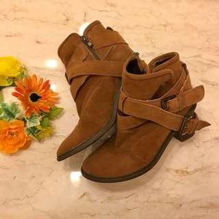 韓國代購 短靴 麂皮 雙釦帶 扣帶 39/40號
