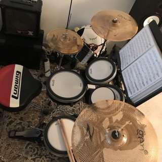 Yamaha DTX700 Drum Set