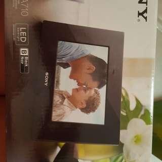 Brand New Sony S Frame (Digital Photo Frame)