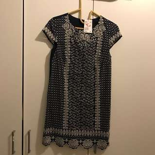 HnM embroidery dress size eur34