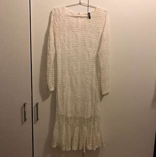 White lace dress fit to size s-m