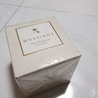 Authentic BVLGARI scented candle (sealed)