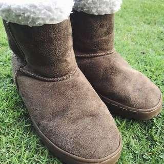 Universal Traveller Winter Snow Boots Kid Size 34