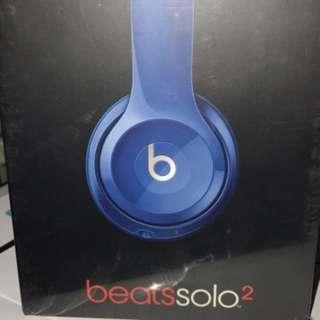 Beats Solo 2 sealed box old stock