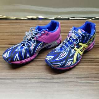 BNIB Female sports shoes - Asics Duomax