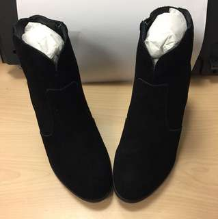 Black Leather Ankles Boots