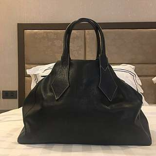 💯 % GUARANTEED AUTHENTIC VIVIENNE WESTWOOD ALL LEATHER BAG