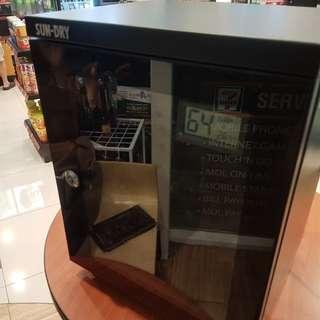 Electronic dry box