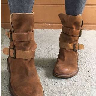 Zara Brown Midcalf Boots