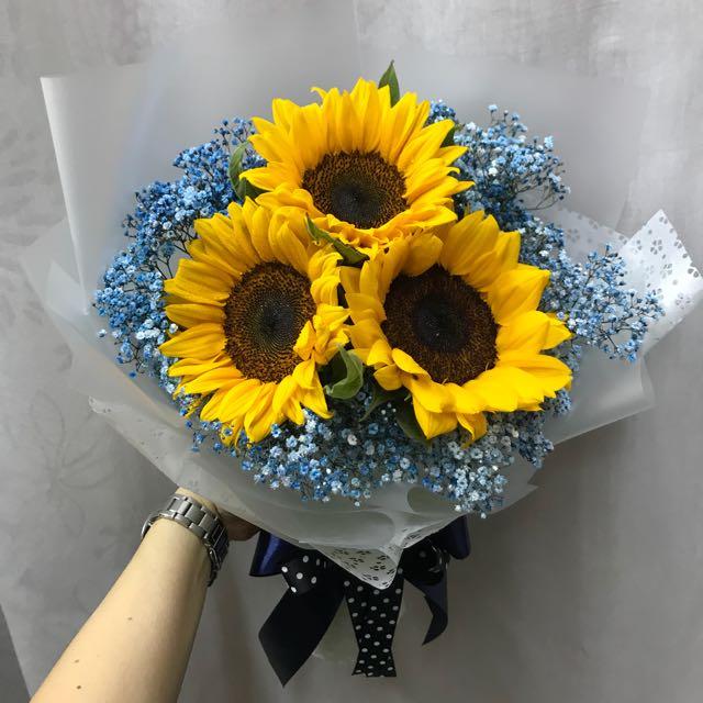 3 sunflowers blue baby breath bouquet