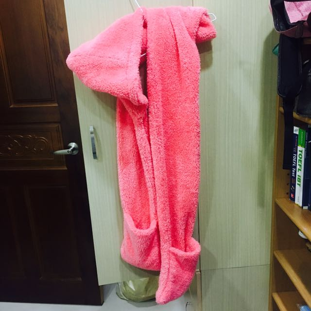 粉色毛絨圍巾