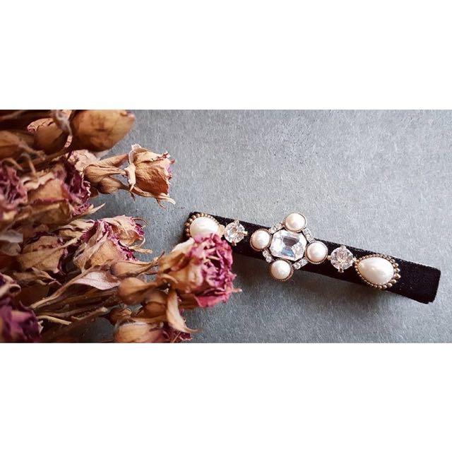 韓國鑲嵌珍珠寶石黑絲絨髮夾