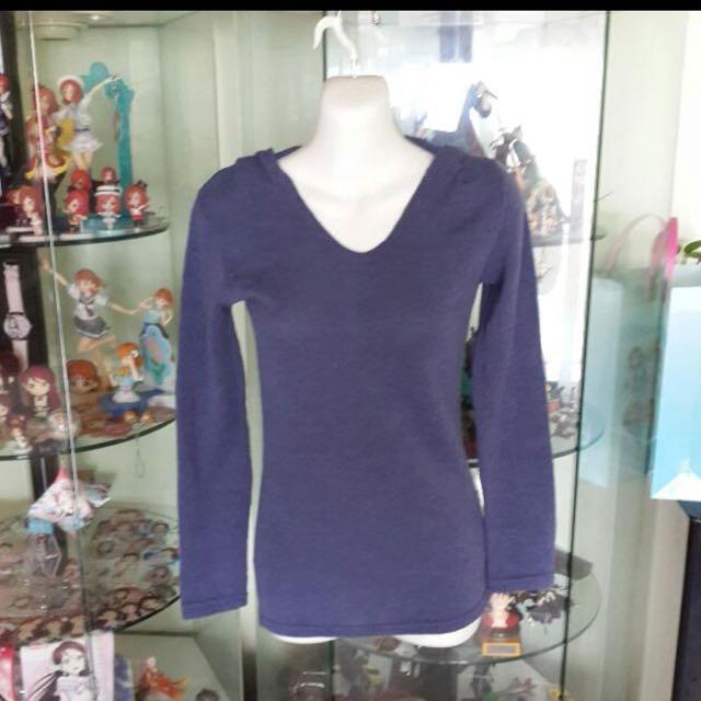 藍紫色針織衫