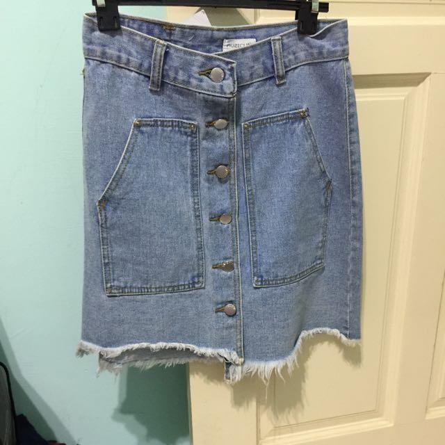 全新轉賣 排扣淺藍牛仔裙