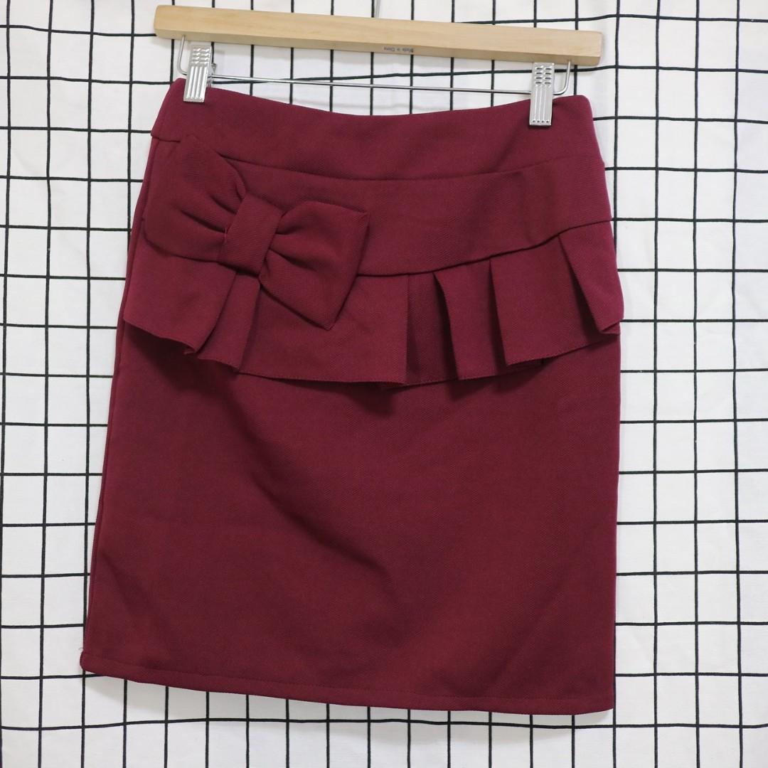 專櫃品牌 復古設計酒紅色 窄裙