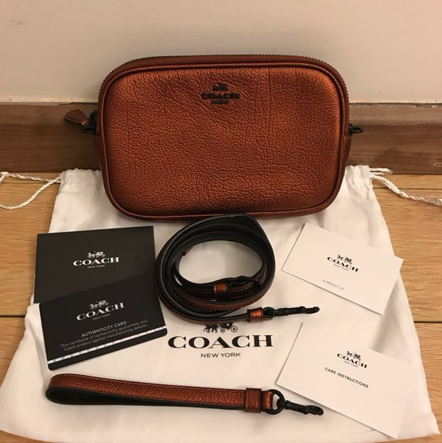 c84b3b66660457 💯 Authentic coach double zip Crossbody For Let Go!!, Luxury, Bags &  Wallets on Carousell