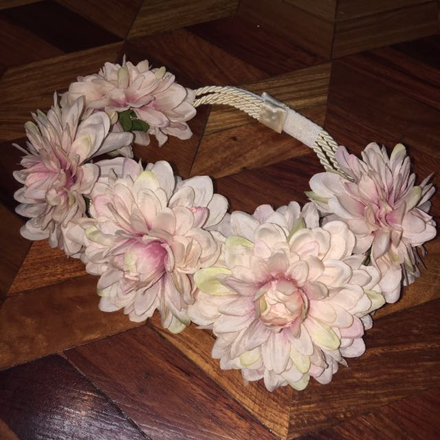 Adjustable flower crown (with velcro)