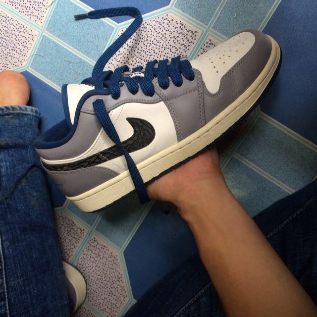 ee9c413c67b0dc Air jordan 1 Low true blue cement size 9