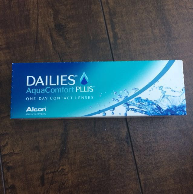Alcon one-day contact lenses