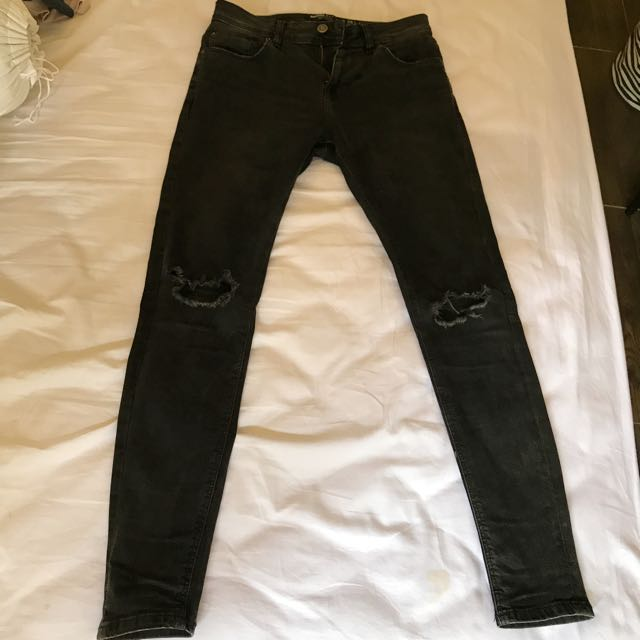 3581fcbba2 Bershka Super Skinny Ripped Jeans in Black, Men's Fashion, Clothes on  Carousell